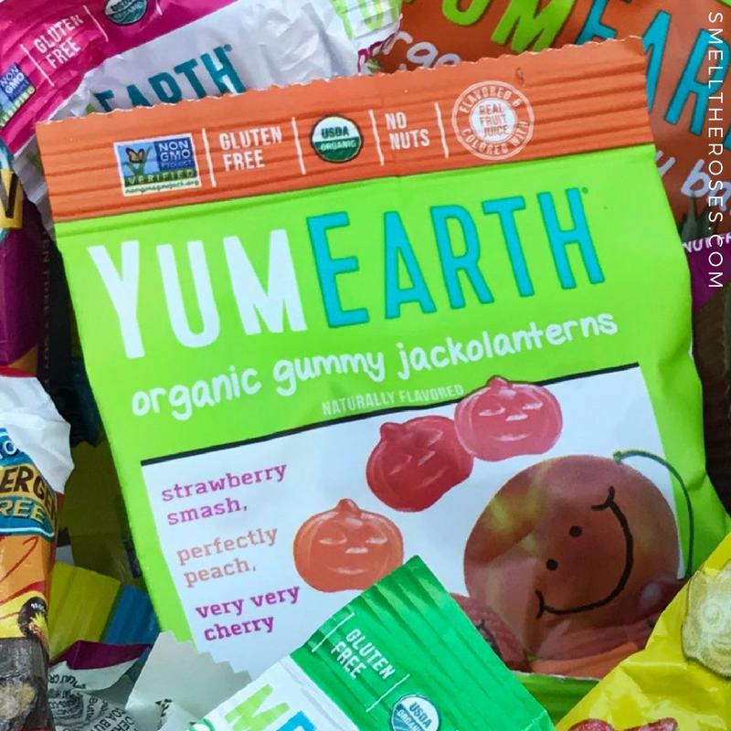 Yum Earth Organic Gummies for Halloween | smelltheroses.com
